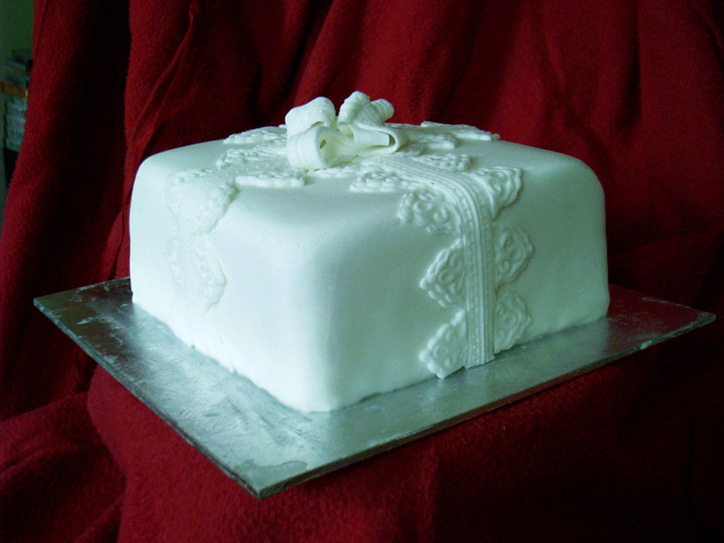 Square Xmas Cake Designs : IvoryCakes.com :: Quality - inside and out. gallery